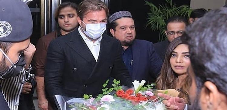 ERTUGRUL GHAZI WELCOMED ON HIS ARRIVAL IN PAKISTAN