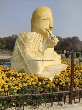 SOCIAL MEDIA UPROAR COMPELLED PUNJAB GOVT TO REMOVE ALLAMA IQBAL' SCULPTURE FROM LAHORE PARK