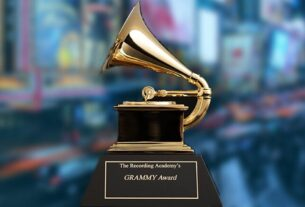 What is the best way to watch the Grammy Awards?